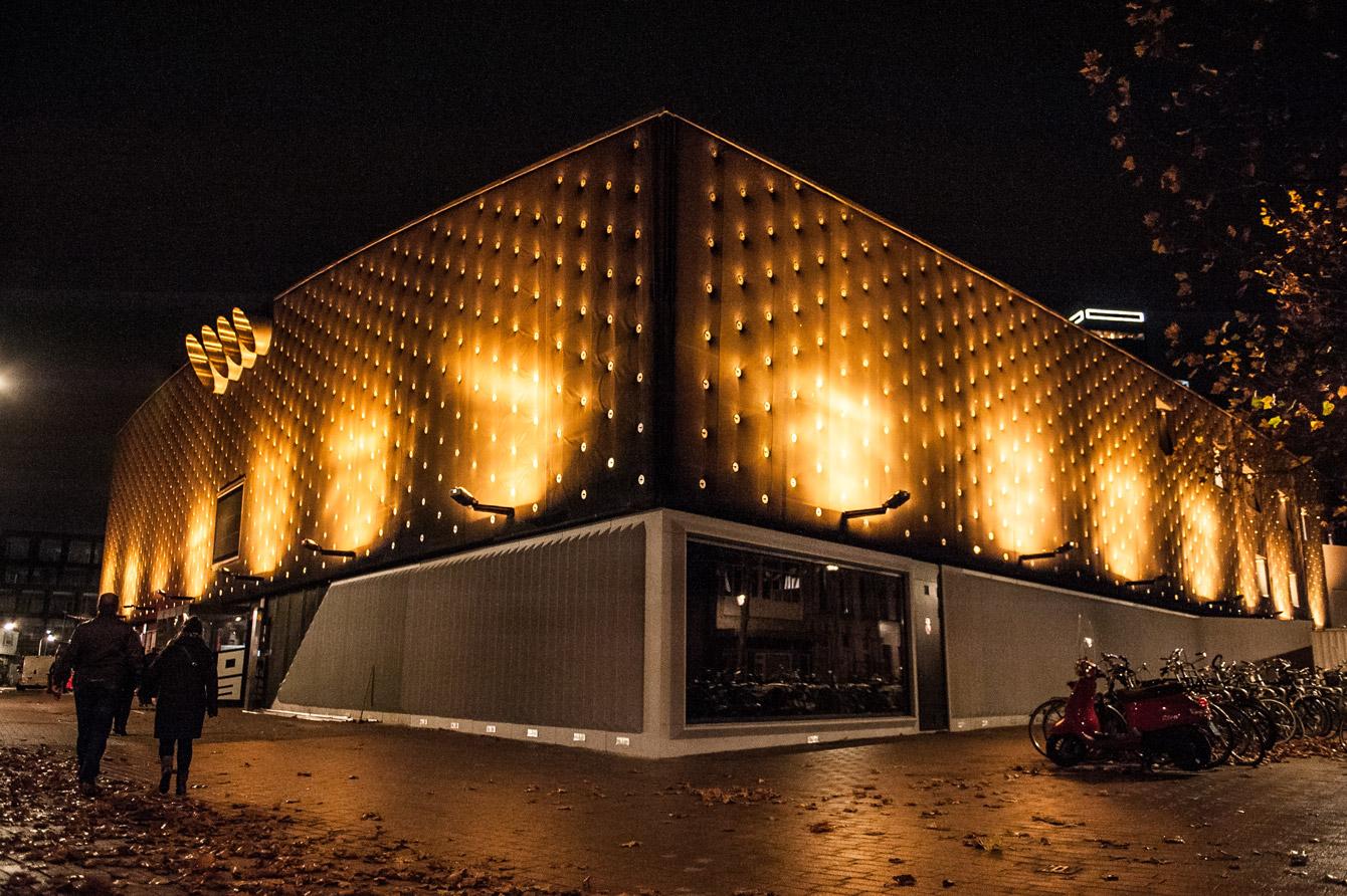 013 Straatjes - Poppodium 013 Buiten - Centrum Tilburg - Foto door William van der Voort